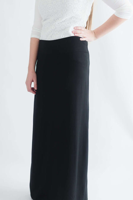 'Angie' Denim Knit Long Skirt in Navy