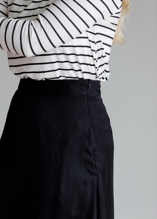 Inherit Co.  | Modest Maxi Skirts Online | Stylish Pinafore Skirts | Woven A-Line Black Midi Skirt