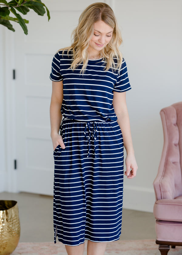 Inherit Co.  | Modest Plus Size Clothing | Short Sleeve Stretch Midi Dress