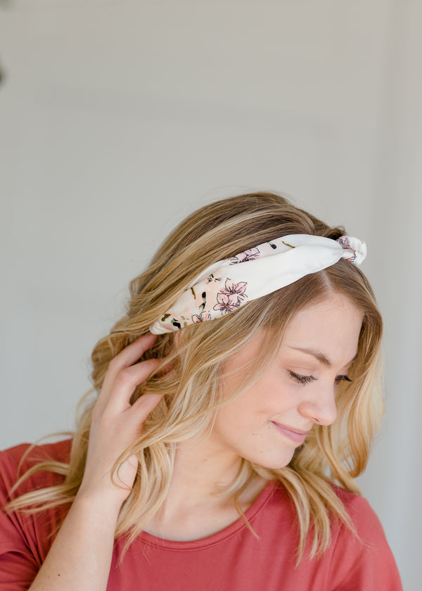 Inherit Co.  | White Floral Knotted Headband