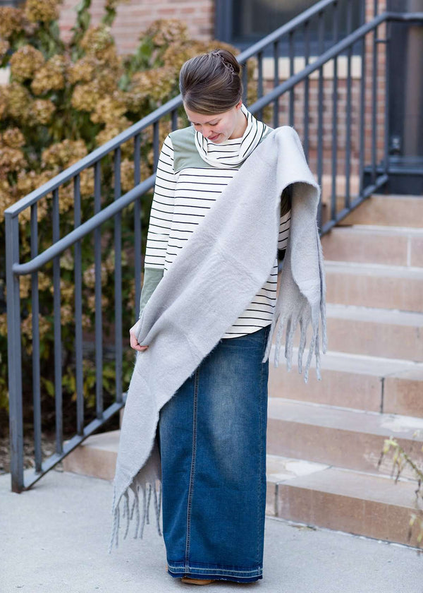 Inherit Co.  | Women's Shoes & Accessories | Chunky Fringe Scarf | Woman wearing a gray fringe scarf that is super cozy and knit.