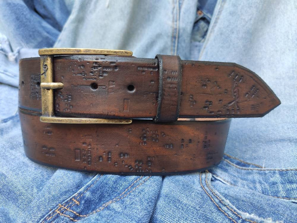 Leather Belt, Leather Products, Mens Style, Brown Belt, Men's Brown Leather, Buckle Belt, Leather Buckle Belt, Crafted Belt, Quality Leather