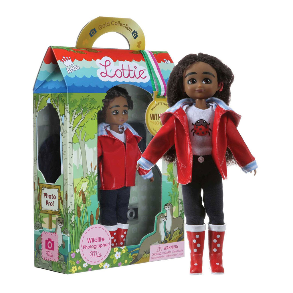Wildlife Photographer Lottie Doll with Package LT082