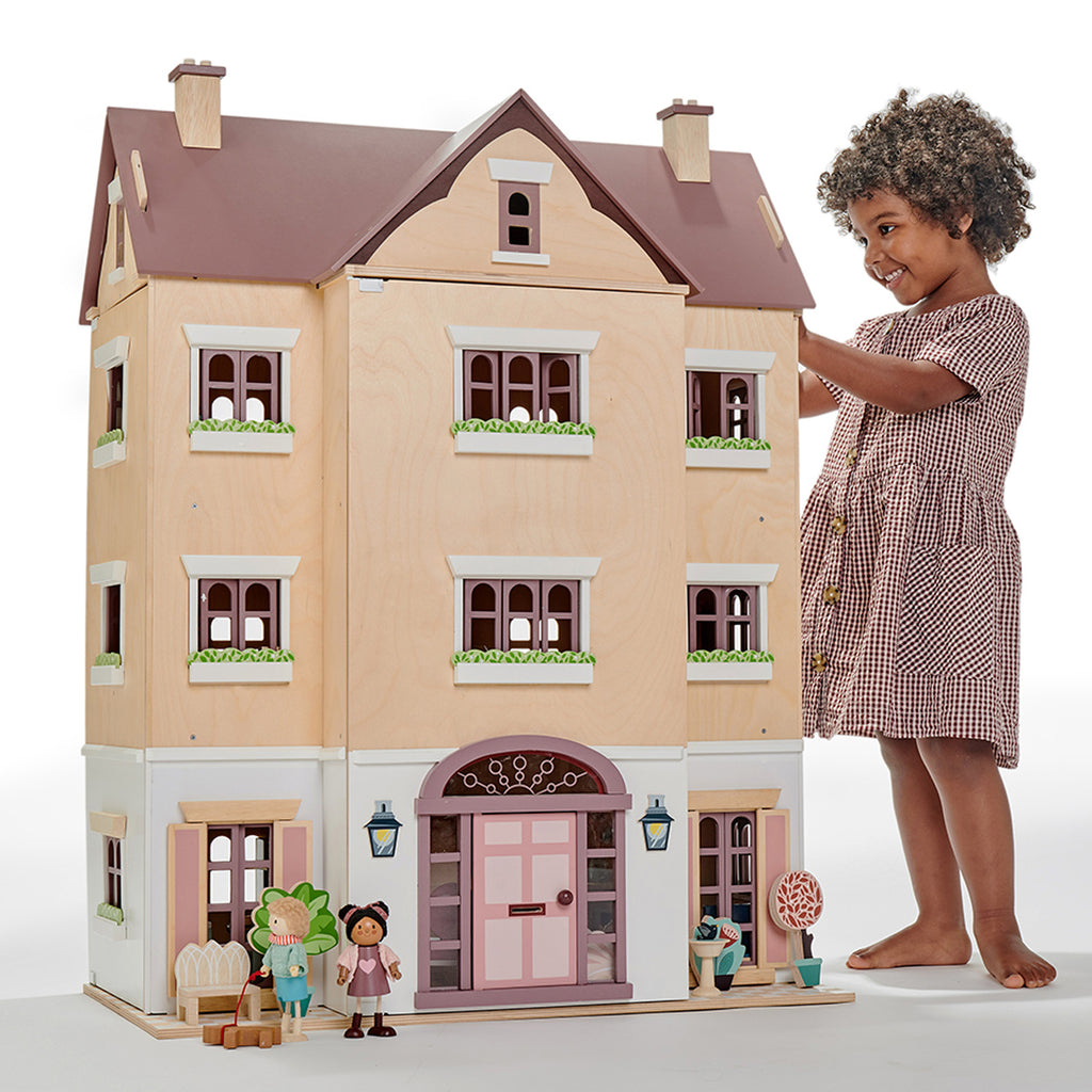 Fantail Hall Deluxe Dolls House