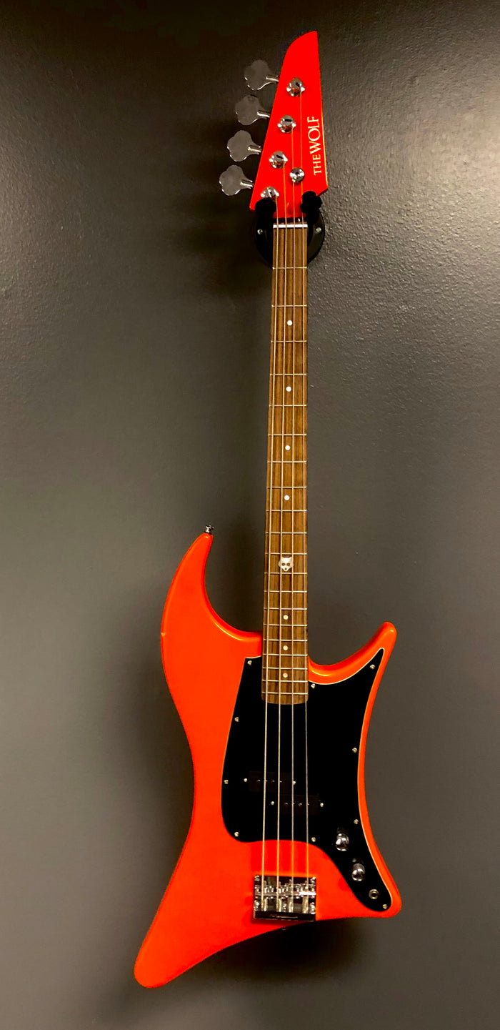 Clearance • Kustom Series 20: The Wolf Bass - Daisy Duke