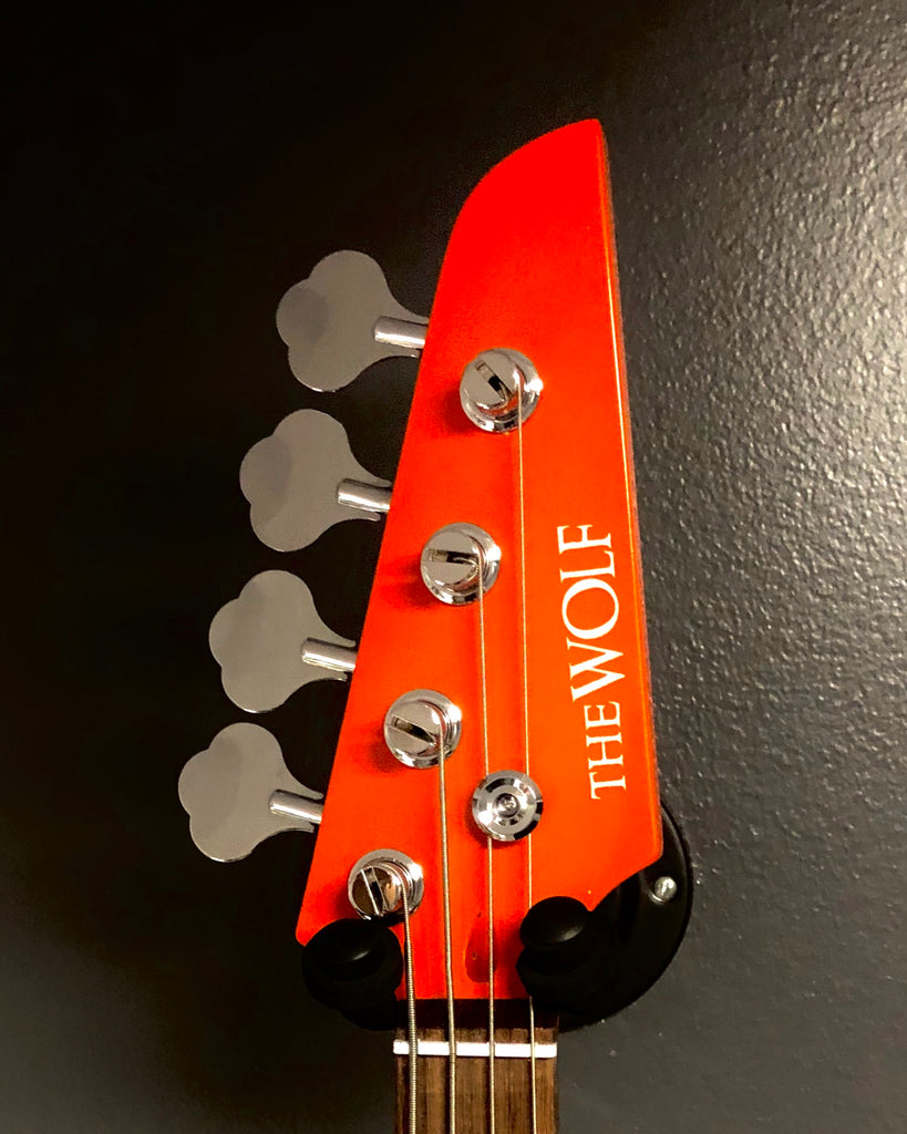 Kustom Series 20: The Wolf Bass - Daisy Duke
