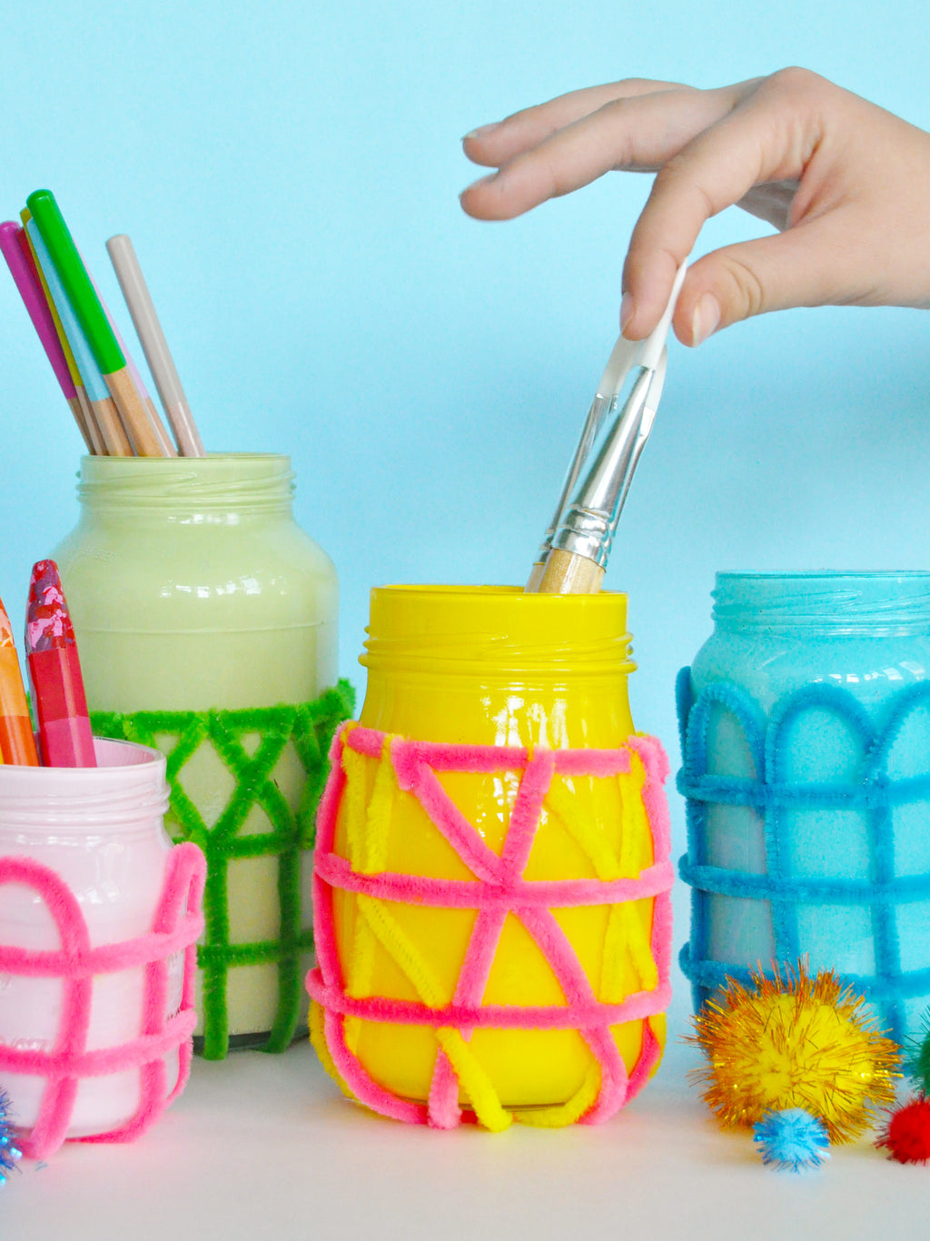 Woven Pipe Cleaner Jar DIY Craft