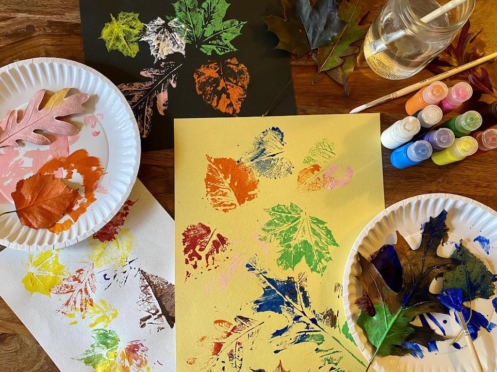 Leaf paint art