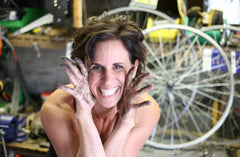 annette fiscelli founder, creator and designer at links by annette, handmade chicago recycled art, local artist, who makes industrial design styled home goods, decor and jewelry from upcycled retired recycled bike parts