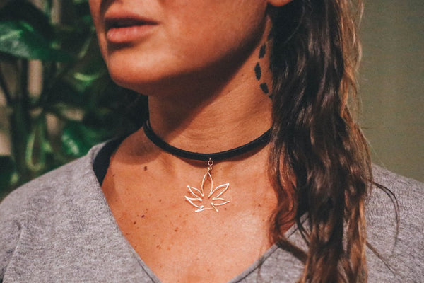 Best Buds Leather Choker