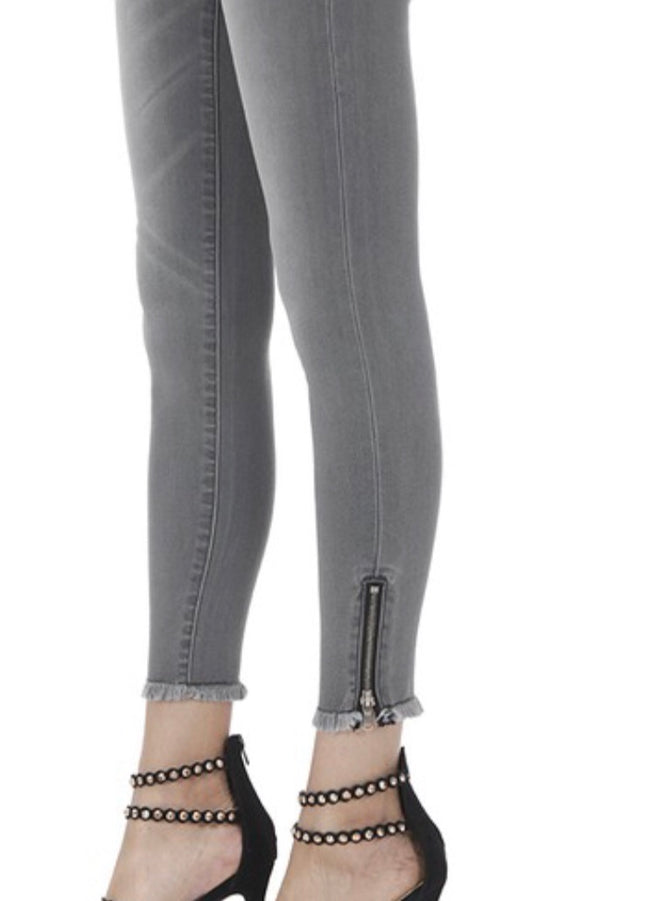 KanCan Skinny Jeans- Light Gray
