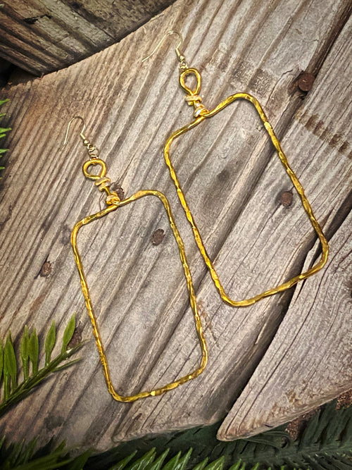 Large & Light Rectangle Dangles - Gold