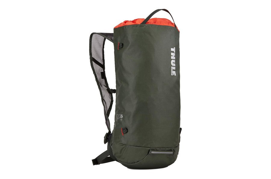 Thule Stir 15L Hiking Pack - Dark Forest