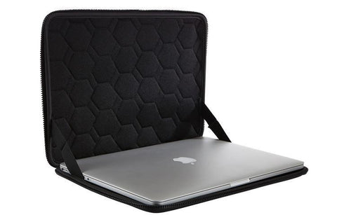 "Thule Gauntlet 3.0 15"" MacBook Pro® with Retina display Sleeve"