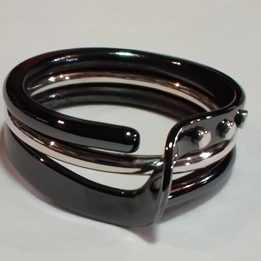 Blackened Niobium Wave Energy Ring™ with Sterling Accents