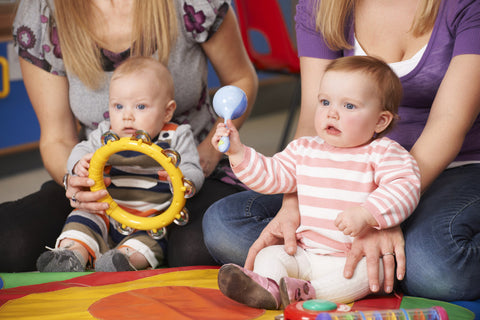 Baby and mom at music class teething jewelry