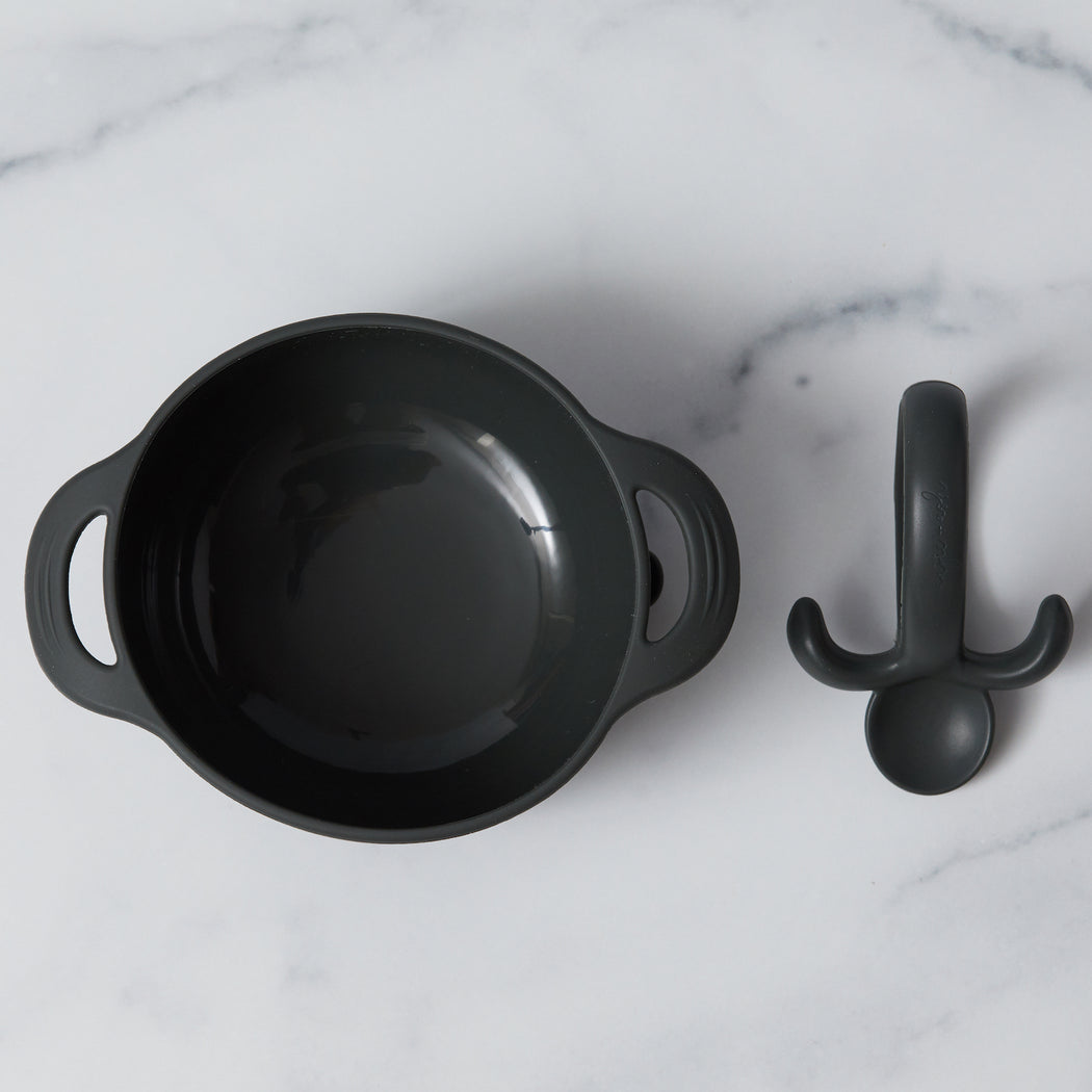 silicone bib bowl gift set - spoon in pepper