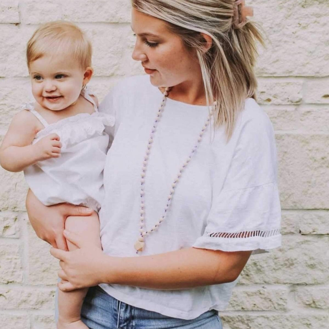 teething necklace for mom -clarity for baby