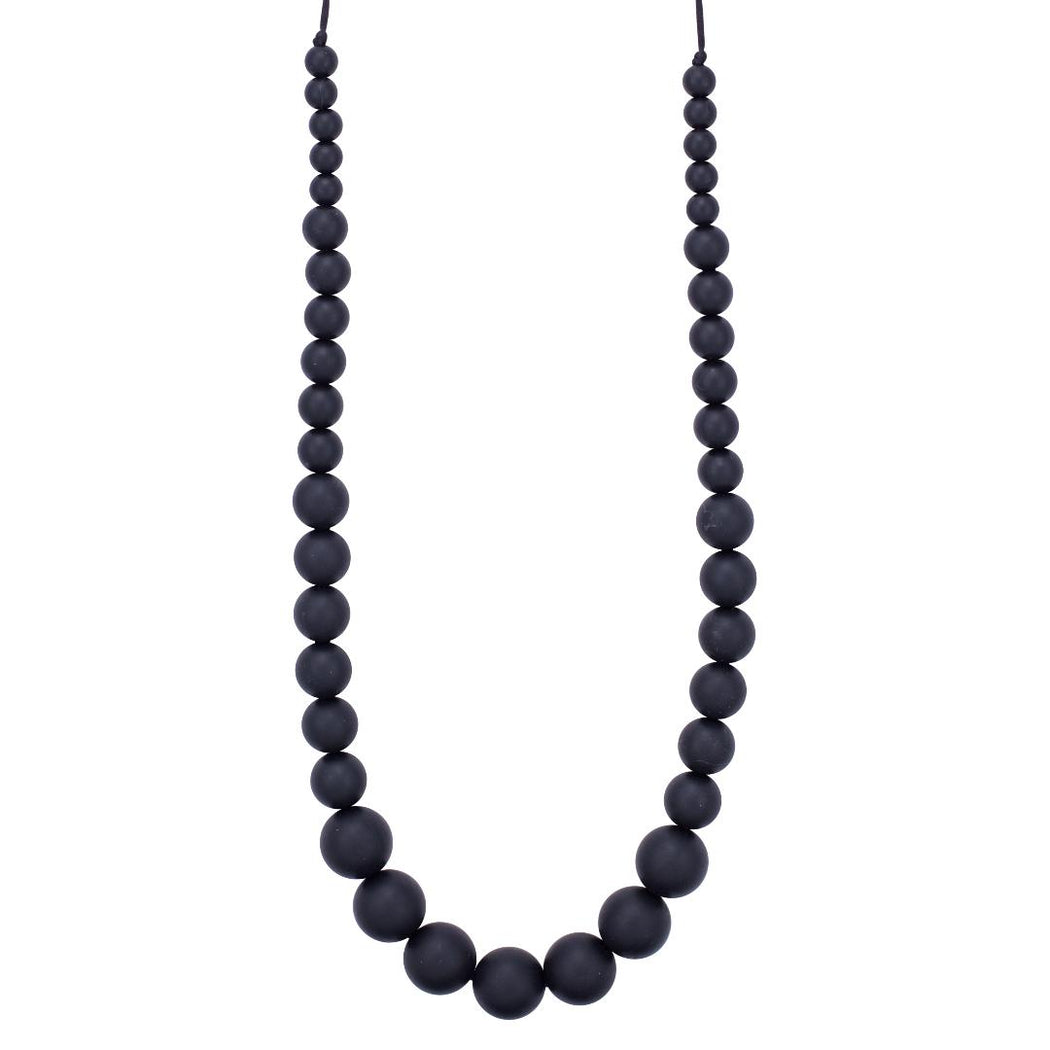 teething necklace for mom with easy open clasp magnet mona in midnight