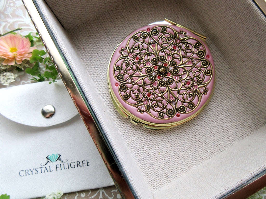 Vintage Gold Classic Compact Mirror