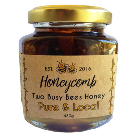 honeycomb-Two-Busy-Bees-Honey