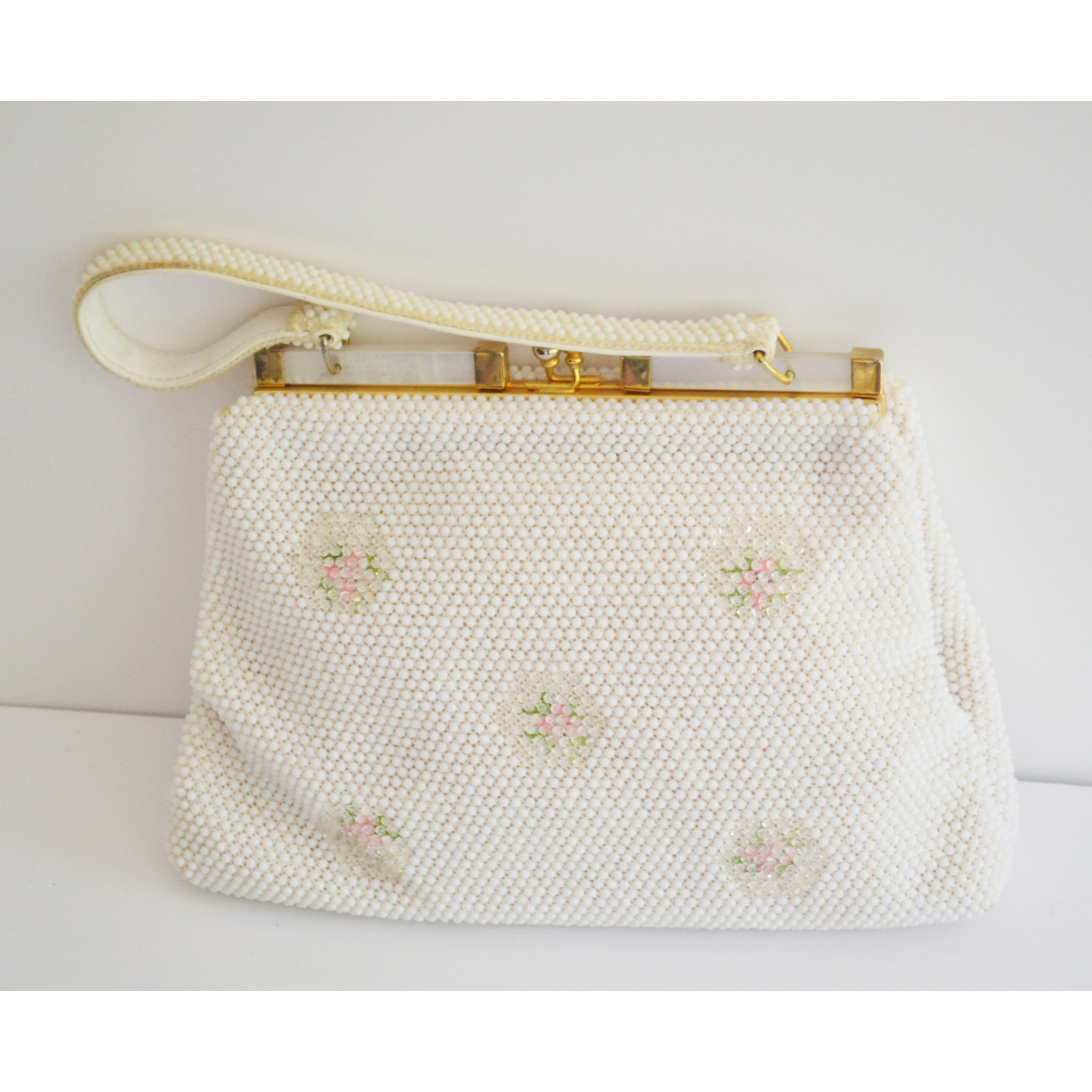 Vintage White Beaded & Lucite Trimmed Purse