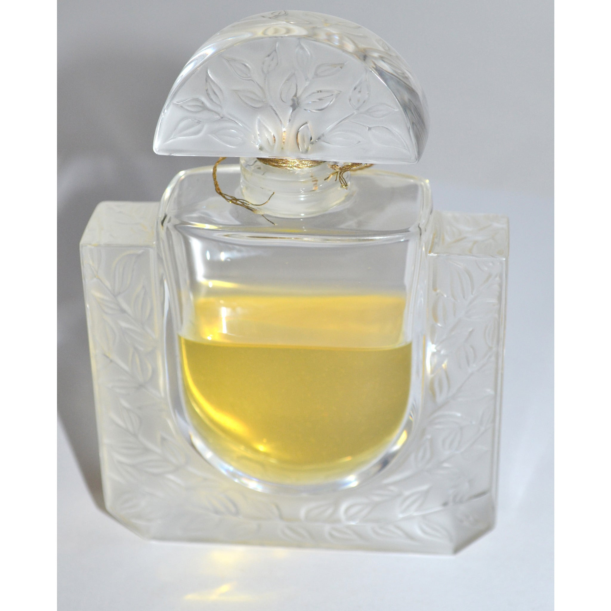 Lalique Chèvrefeuille Perfume By Lalique 1993 Limited Flacon Collection