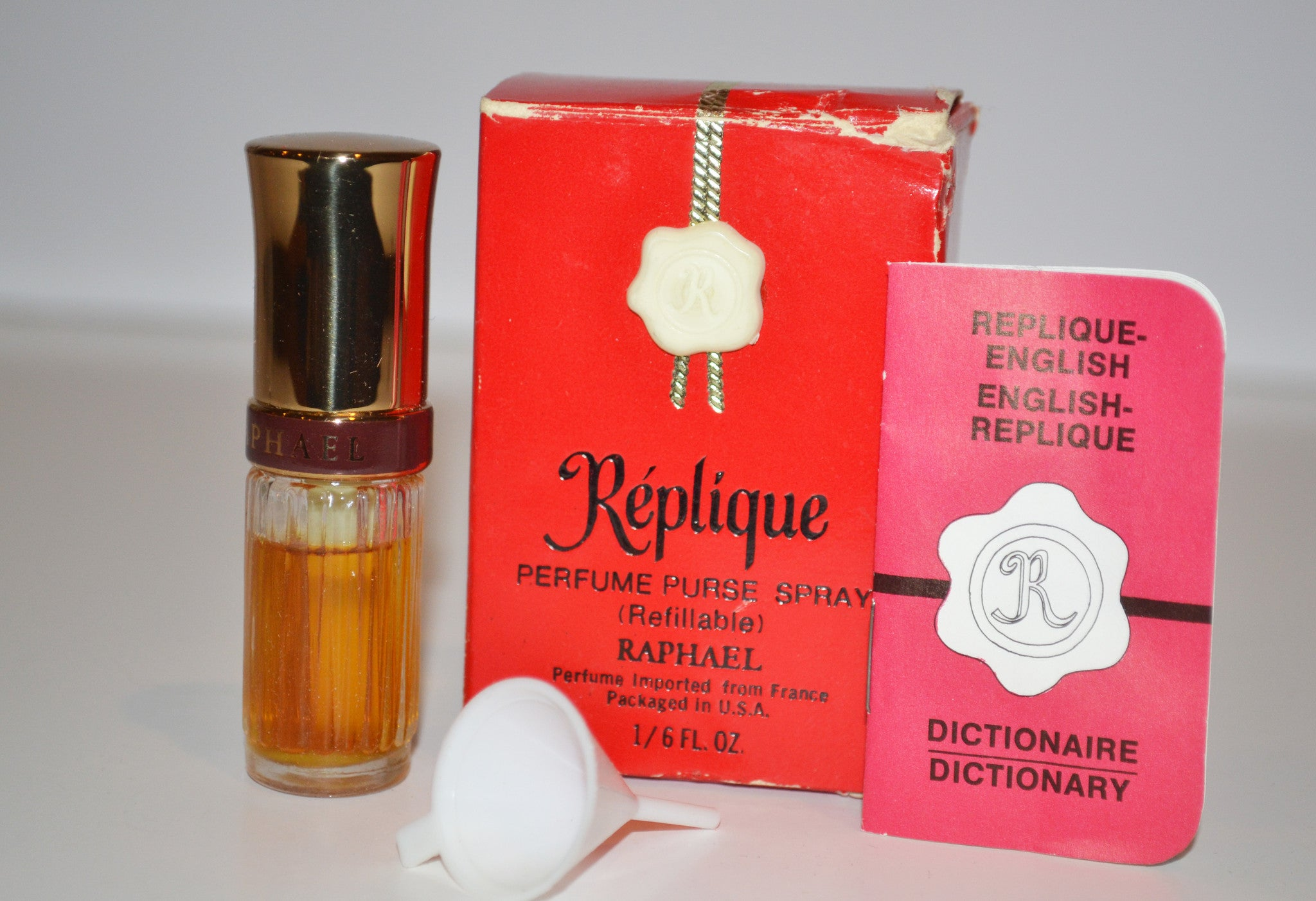 Vintage Replique Perfume By Raphael