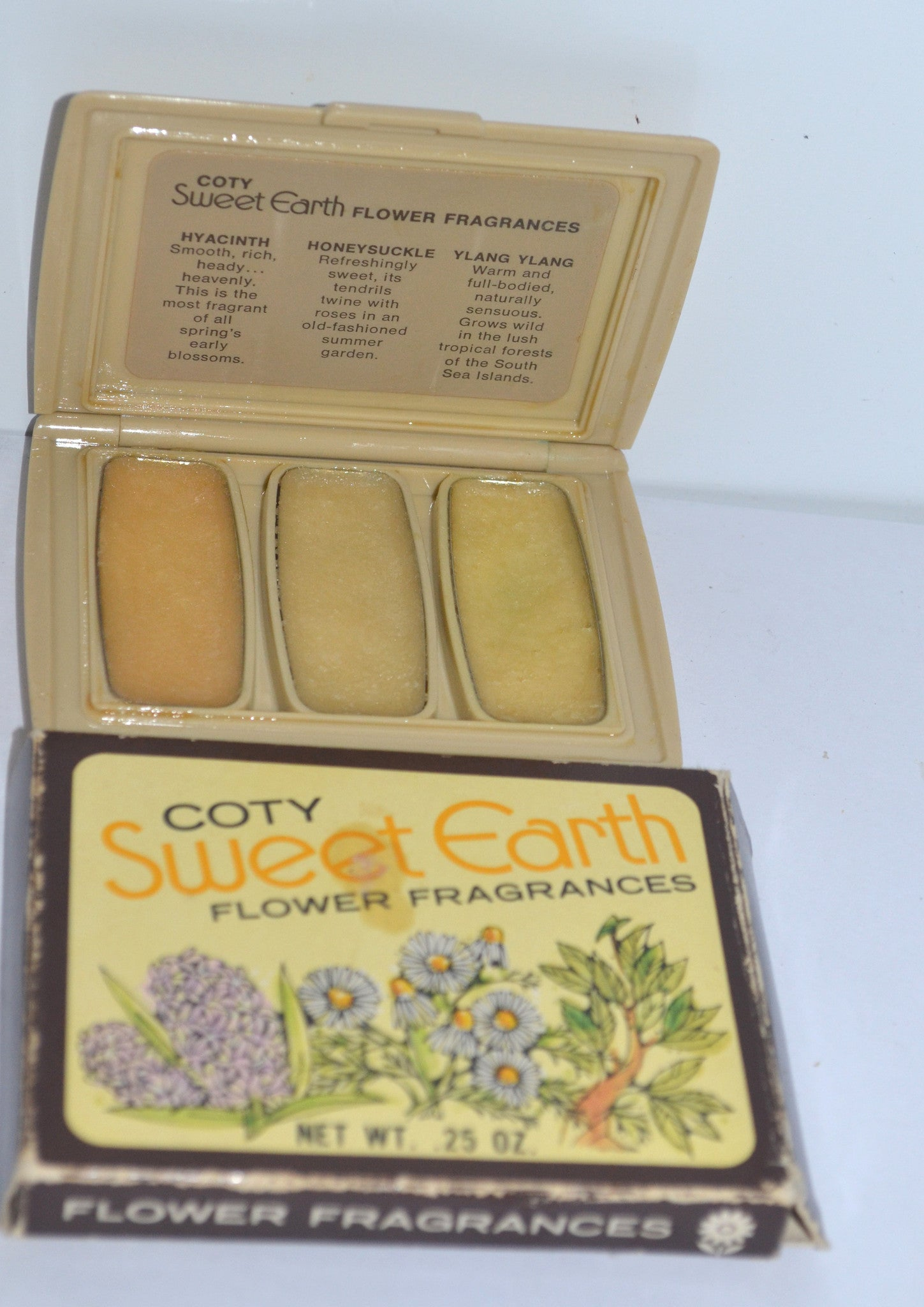 Coty Sweet Earth Flower Fragrances Solid Perfume