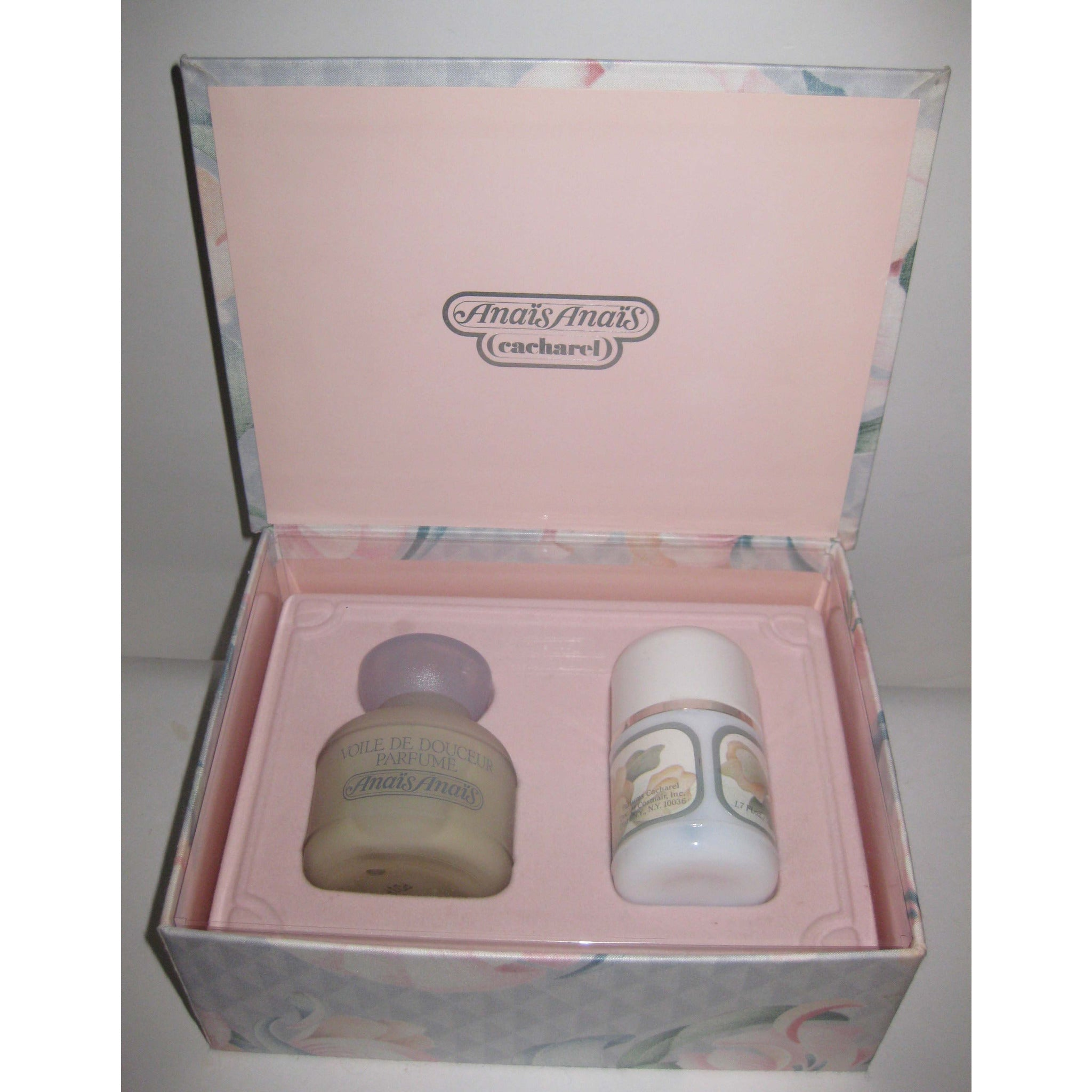 Vintage Anais Anais Fragrance Set By Cacharel