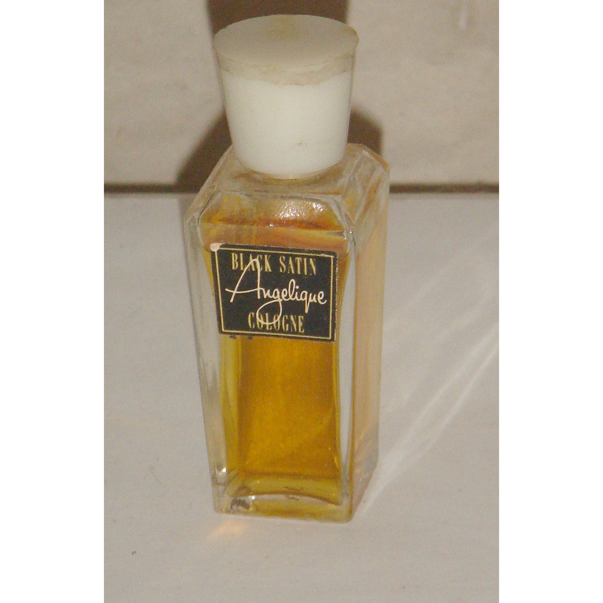 Angelique Black Satin Cologne