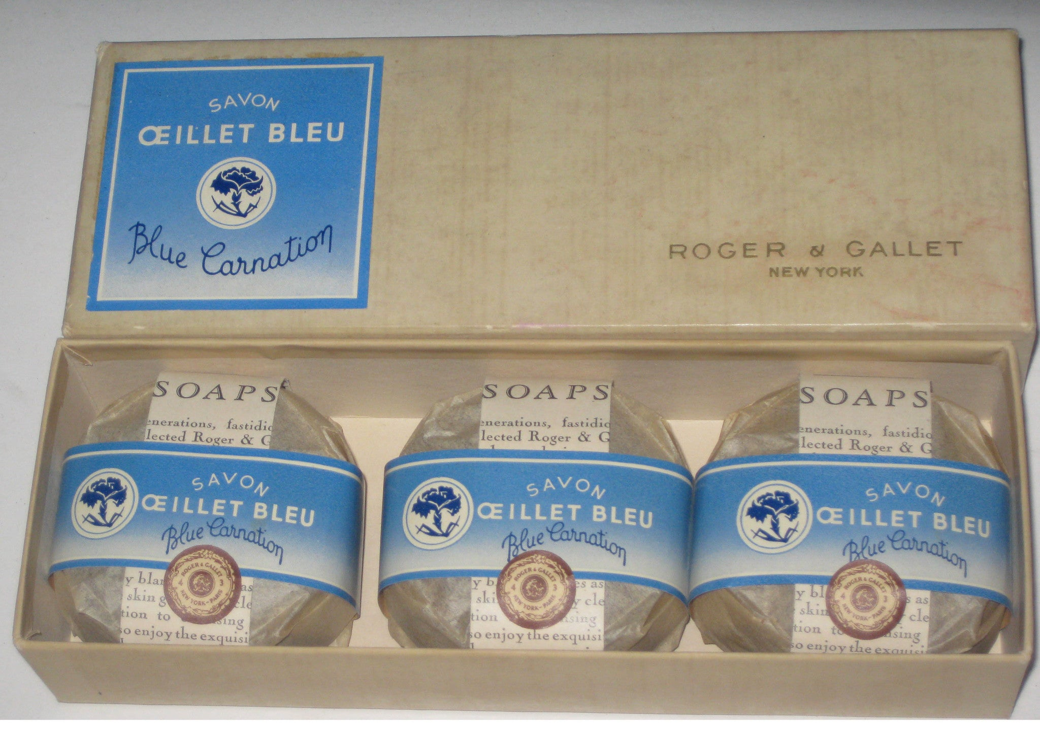 Roger & Gallet Blue Carnation Soap Set