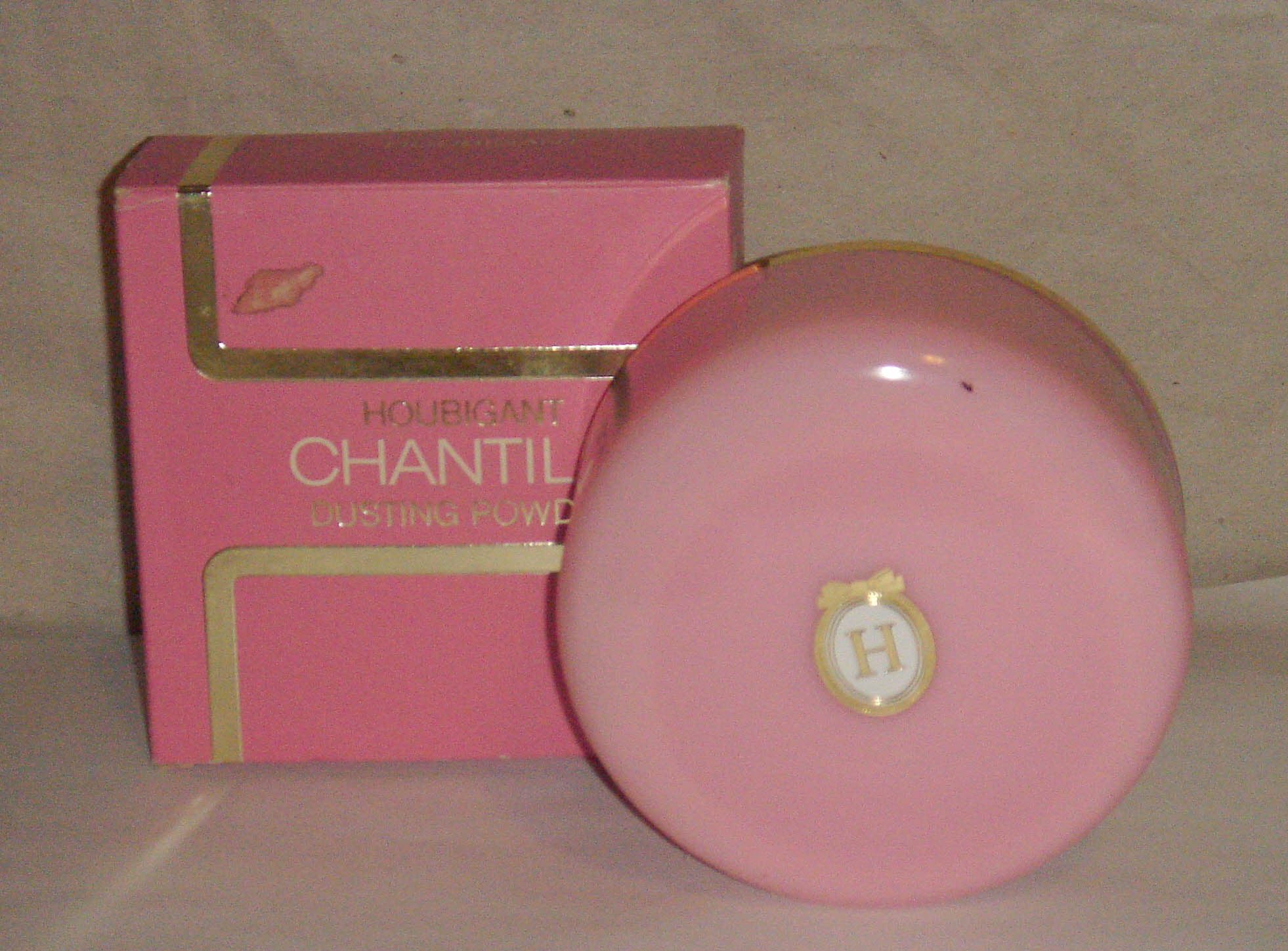 Houbigant Chantilly Dusting Powder