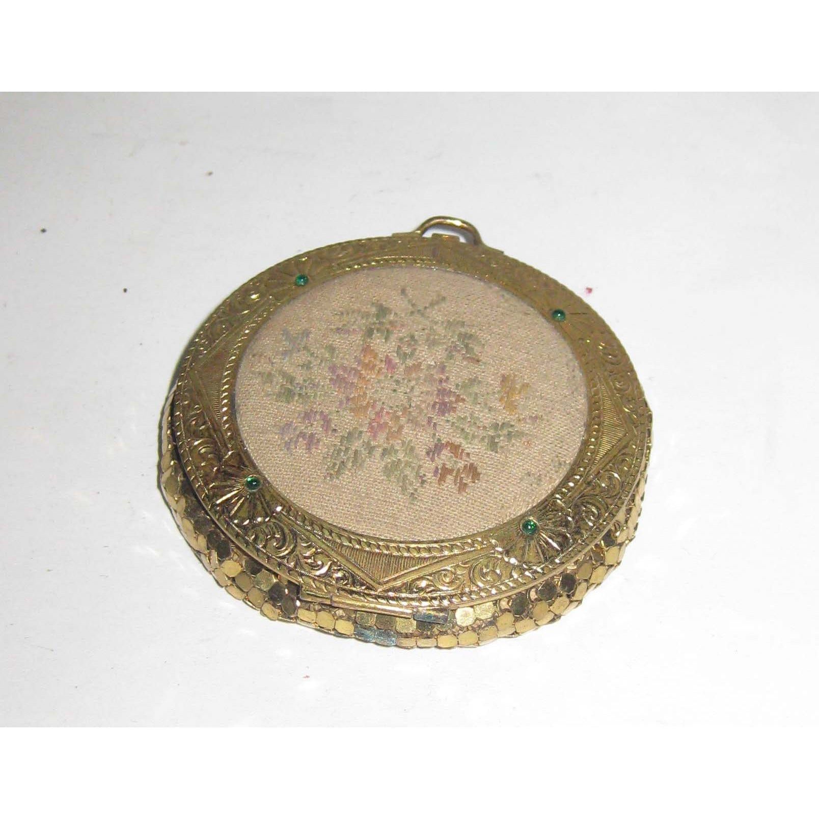 Vintage Ornate Mesh Compact By Evans