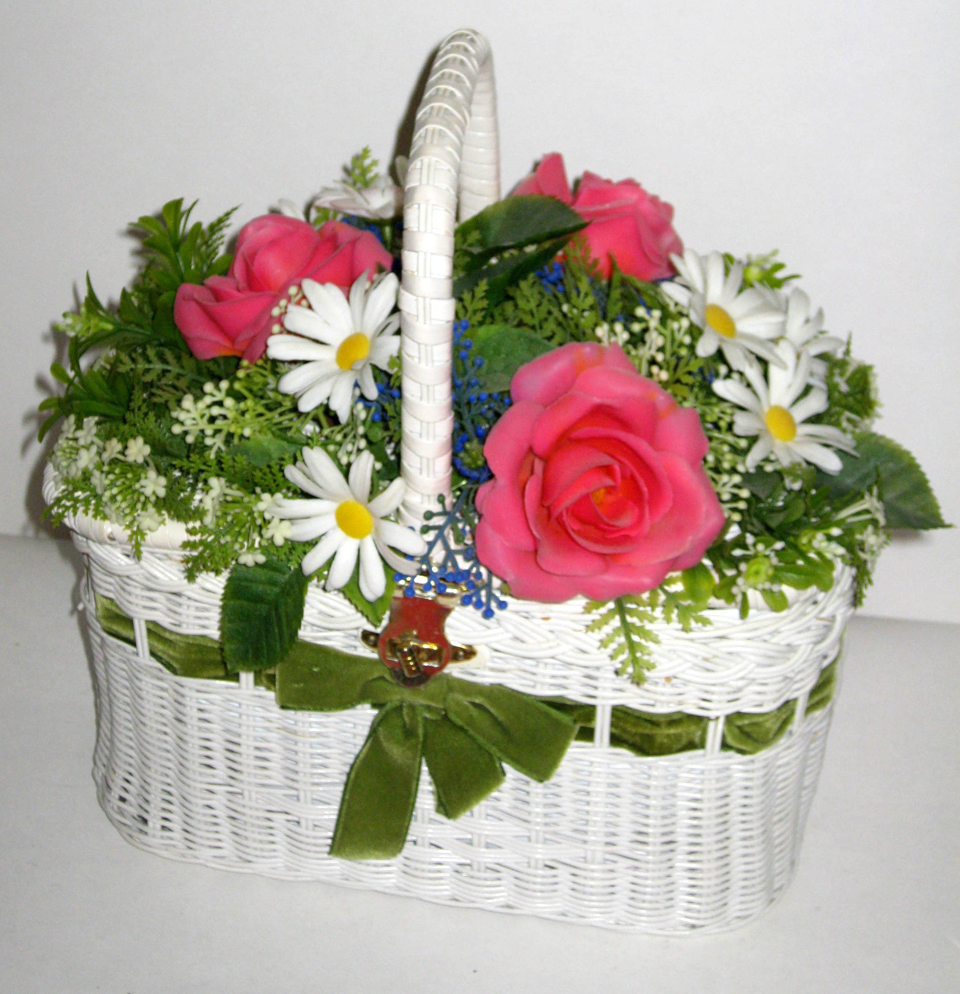Vintage Flower Bed Wicker Basket Purse
