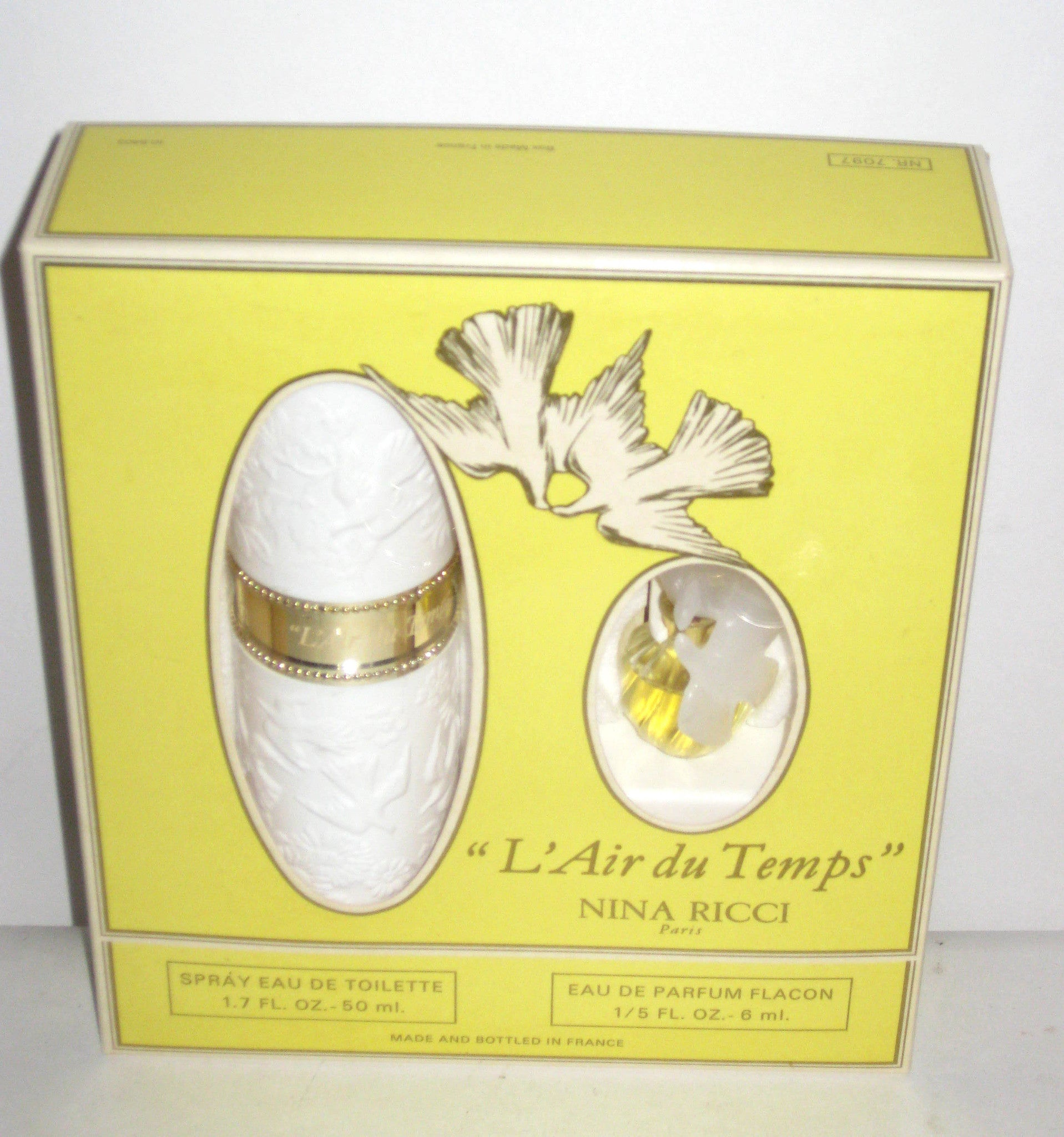 Nina Ricci L'Air Du Temps Perfume Set