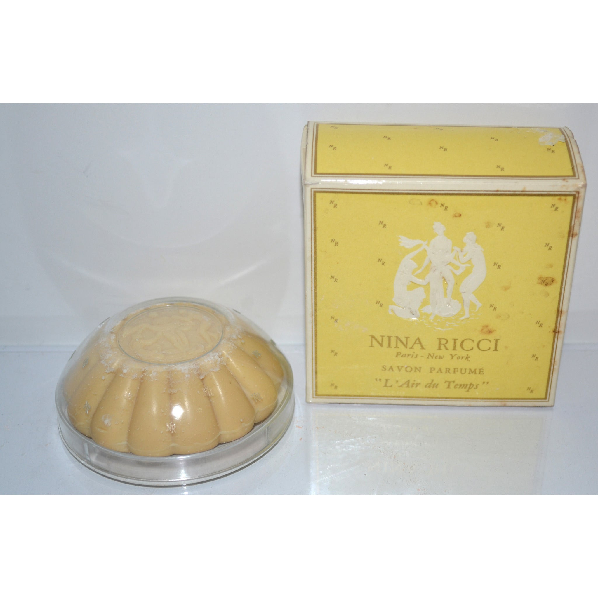 Vintage L'Air du Temps Parfum Soap By Nina Ricci