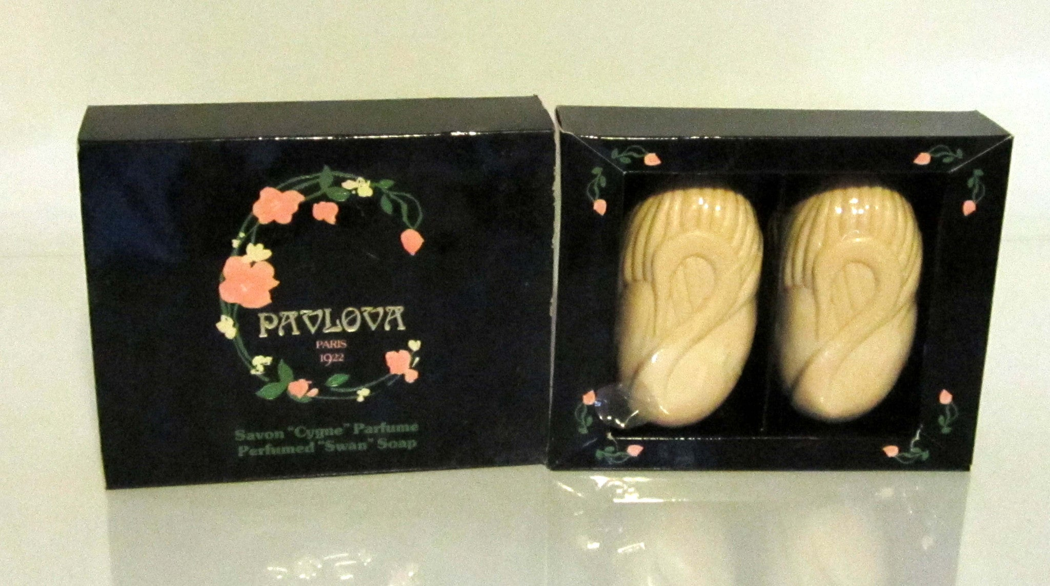 Pavlova Paris 1922 Perfumed Swan Soap
