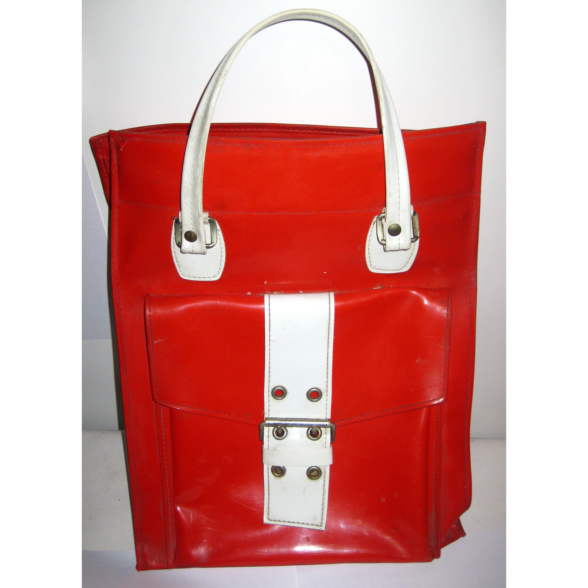 Vintage Red Mod High Gloss Vinyl Travelbag