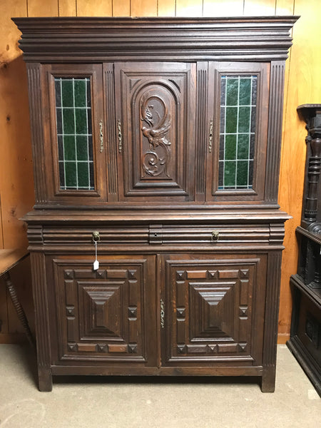 Oak Stacked Hutch with Stain Glass Doors