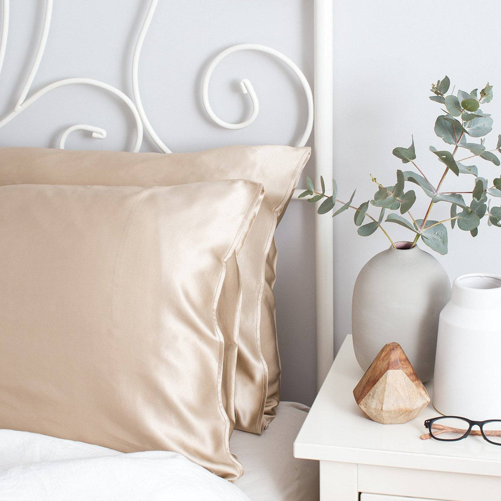 Twin Set Silk Pillowcase Shimmering Nude