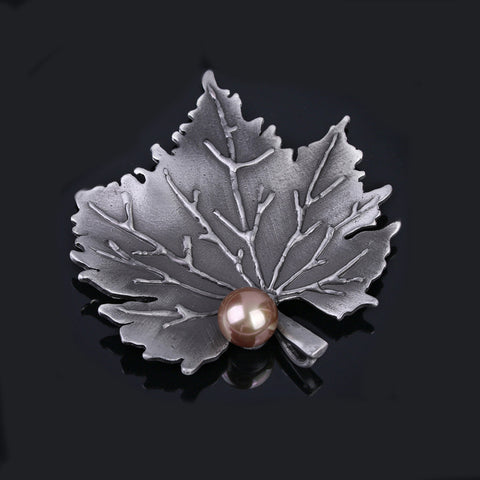 Maple Leaf Vintage Metallic Pin