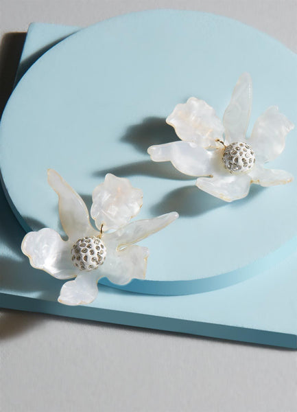 Layla Flower Resin Stud Earrings