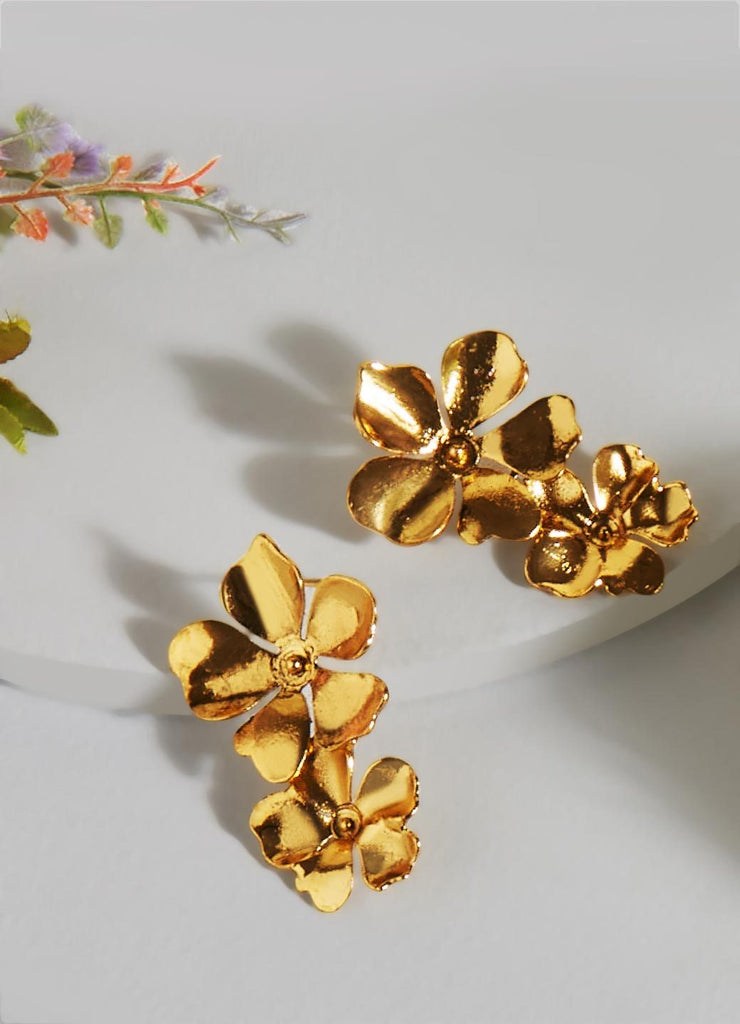 Beack Floral Earrings (Gold)