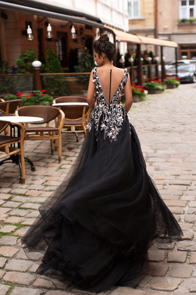 Black Deep V-Neck Tulle A-Line Lace Sleeveless Applique Prom Dresses, FC1799