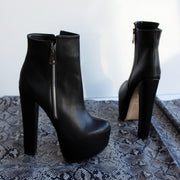 Black Zipper Detail PLatform Ankle Boots - Tajna Club