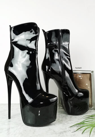 Black Glossy High Heel Boots - Tajna Club