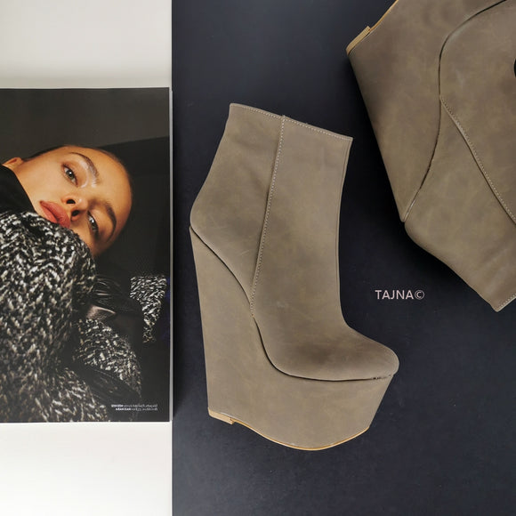 Dark Beige 17 cm Wedge Booties - Tajna Club