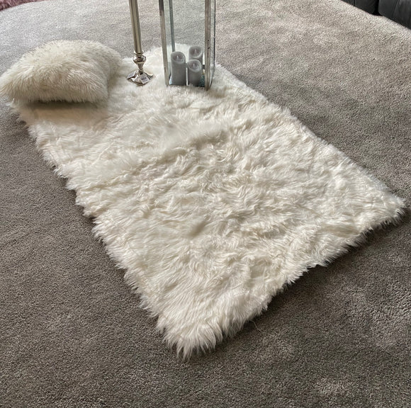 Soft Fluffy PLAIN Faux Fur Rugs Carpet Mat 150cm X 100cm White - cushion mania