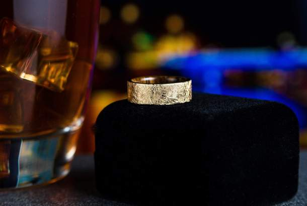 The Baron Solid Gold w/Wood Inlay Wedding Band